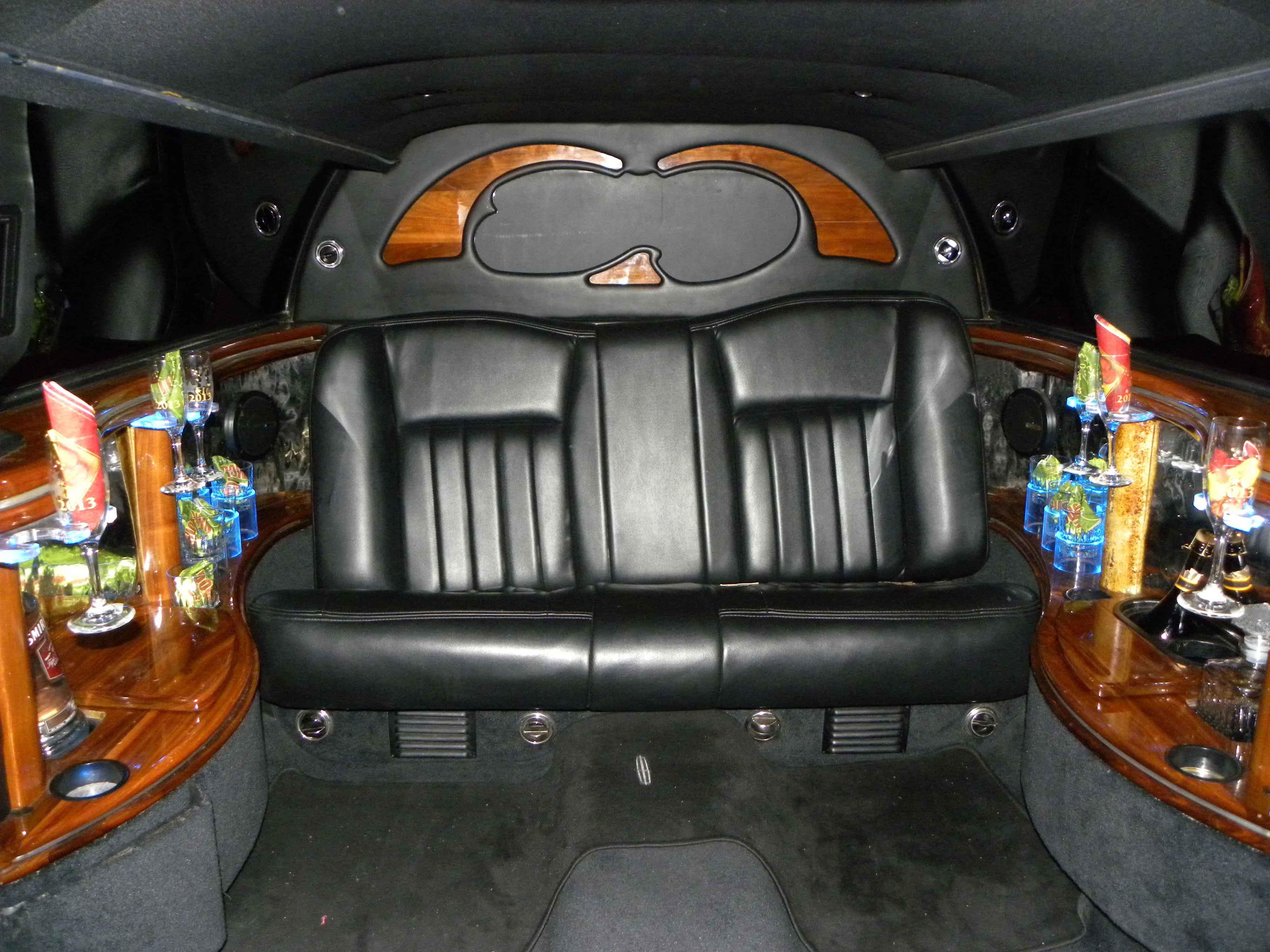 6 Passenger Limousine Front Facing
